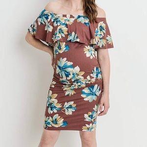 4feca45cbf8 Hello MIZ · NWT Floral Cold Shoulder Maternity Dress